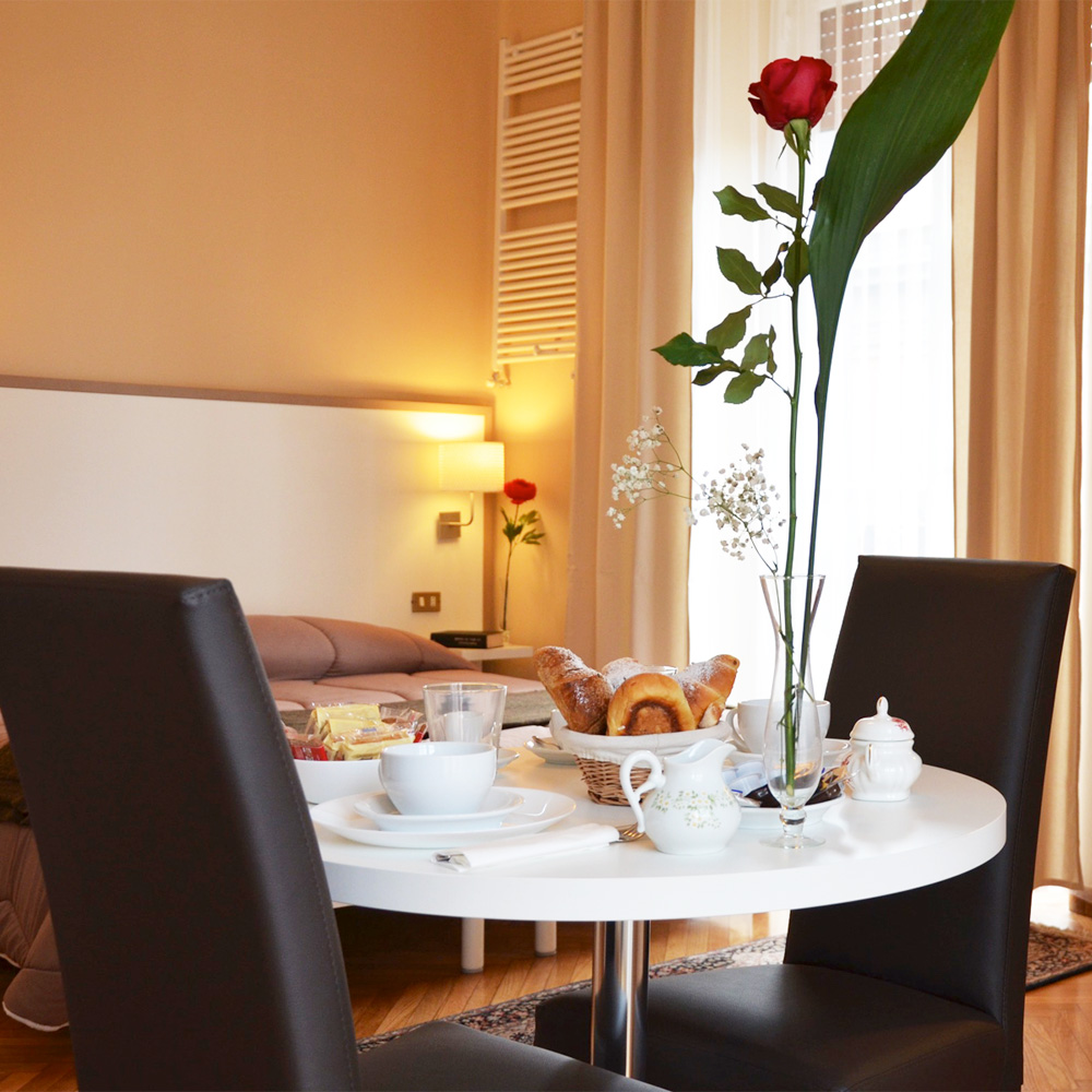 Slider home bed and breakfast napoli centro storico b for Bed and breakfast home